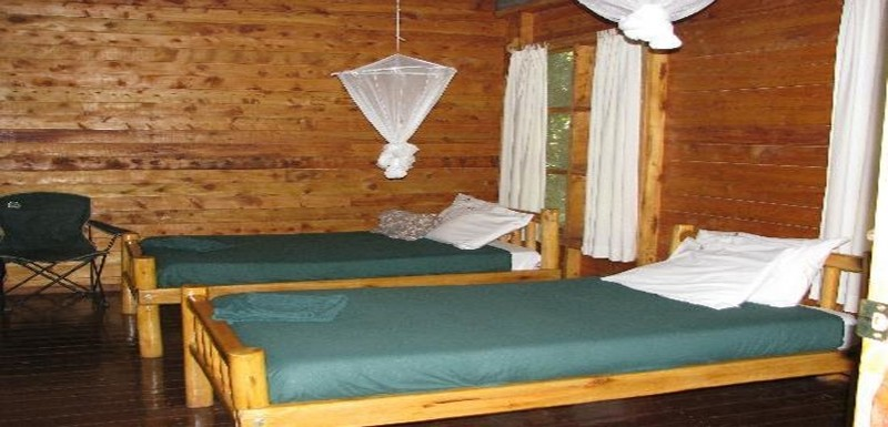 budongo-eco-lodge-bed